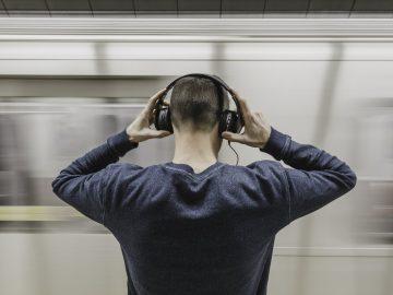 How To Choose Loudest Headphones