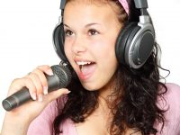 3 songs about headphones you never heard