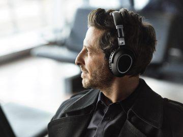 Best Headphones for Traveling