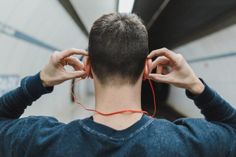 How headphones damage your ears