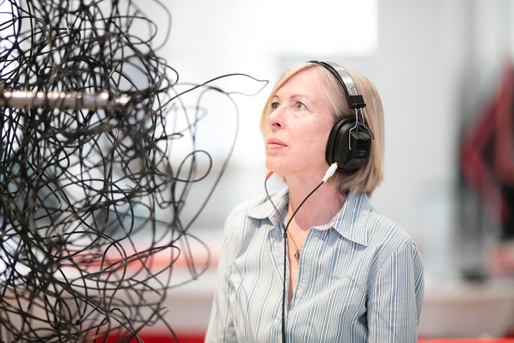 How Headphones Get Tangled?